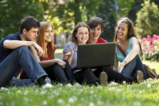 học bổng giá trị đại học canada