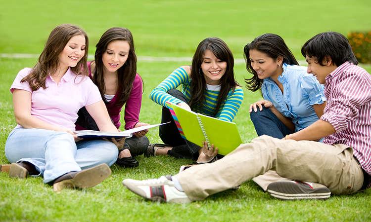 tiết kiệm chi phí du học đại học canada