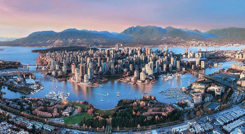 Vancouver có khí hậu nóng ẩm, là đô thị sầm uất ở Canada